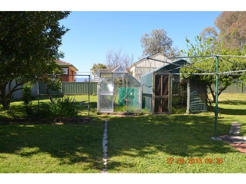 8 Wynyard Street, Tumut NSW 2720