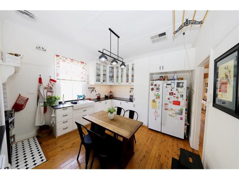 31 Capper Street, Tumut NSW 2720