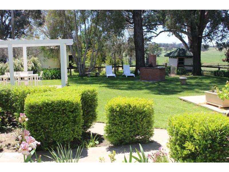 - ETHAM PARK 511 Ellerslie Road, Adelong NSW 2729