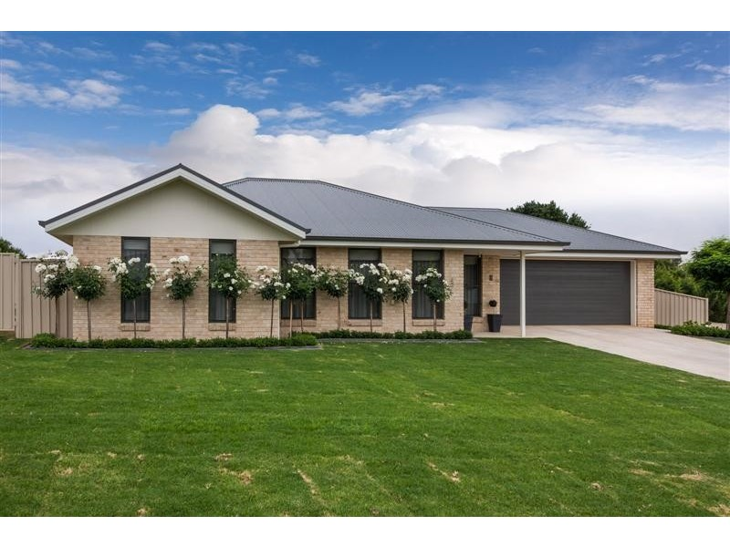 9 King Place, Tumut NSW 2720