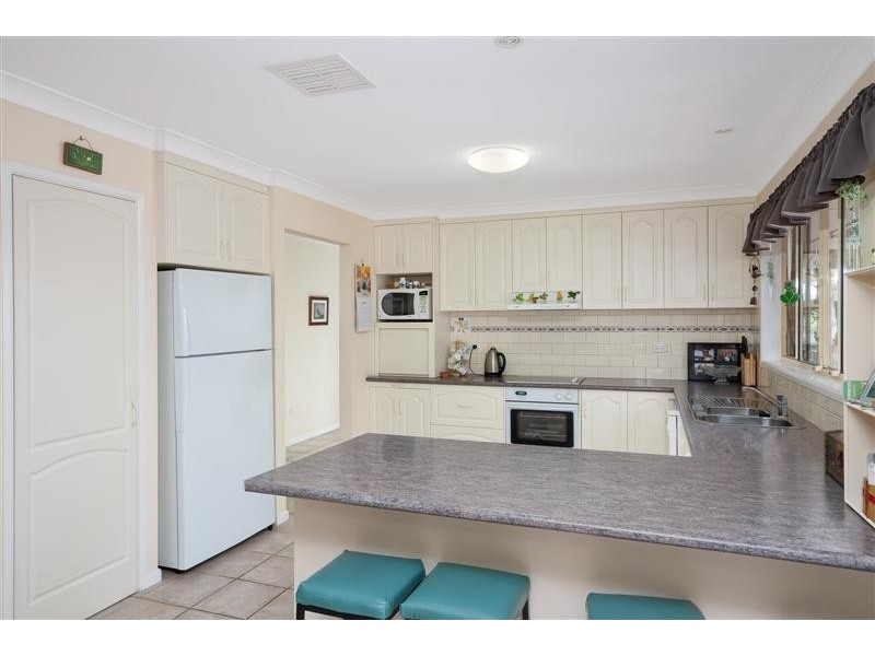 6 Jillabenan Close, Tumut NSW 2720