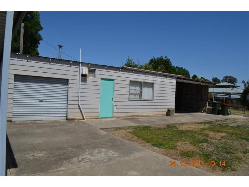 25 Herbert Street, Tumut NSW 2720