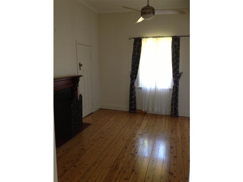 48 Carey Street, Tumut NSW 2720