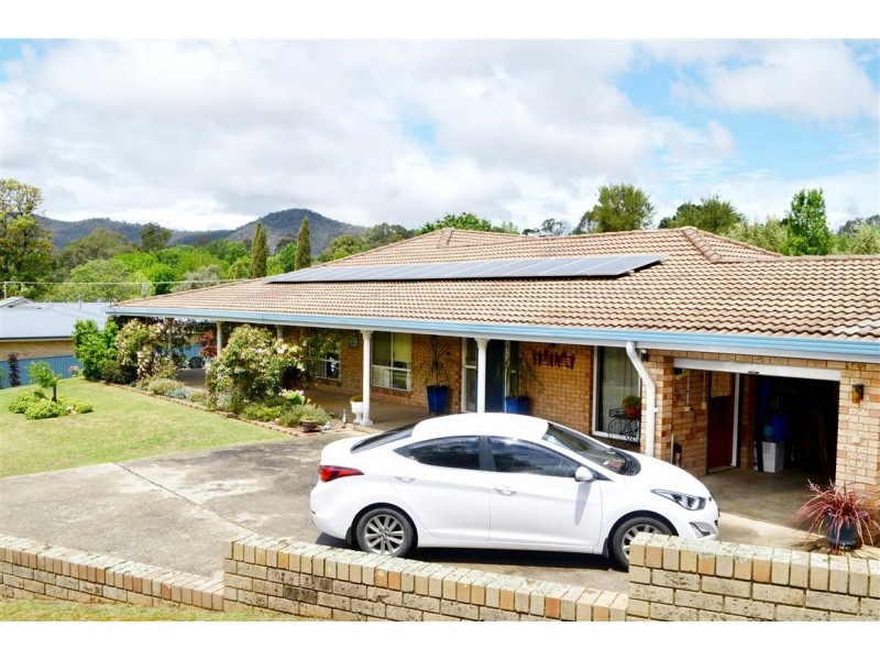 85-87 Lynch Street, Adelong NSW 2729