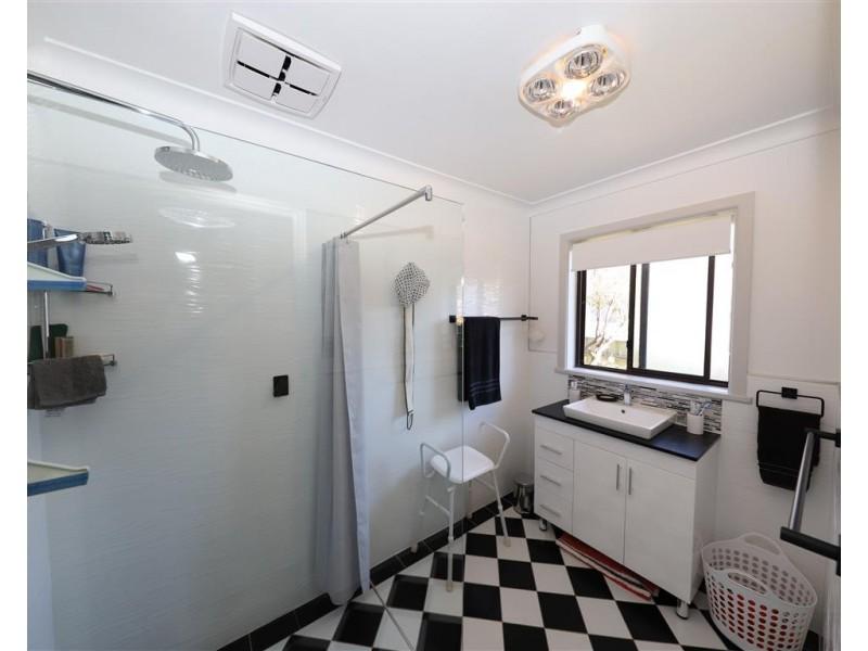 13 Kirra Street, Tumut NSW 2720