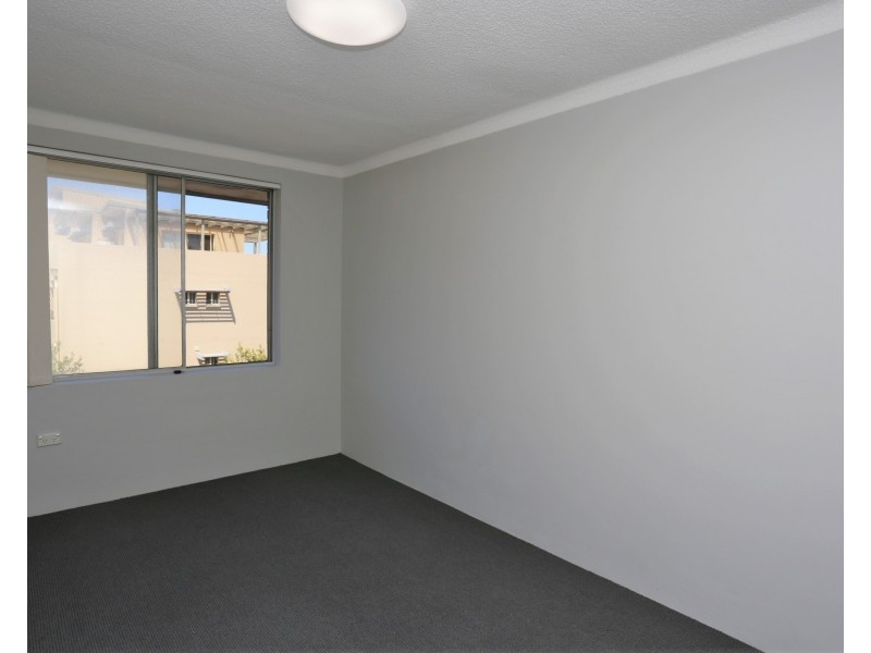18/11 Grace Campbell Crescent, Hillsdale NSW 2036