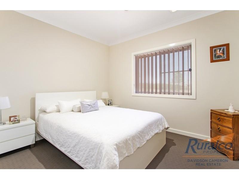 16 Horseshoe Place, Tamworth NSW 2340