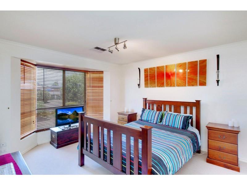 24 Barracoota Crescent, Aldinga Beach SA 5173