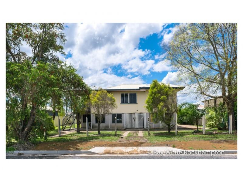 46 Park Street, Park Avenue QLD 4701