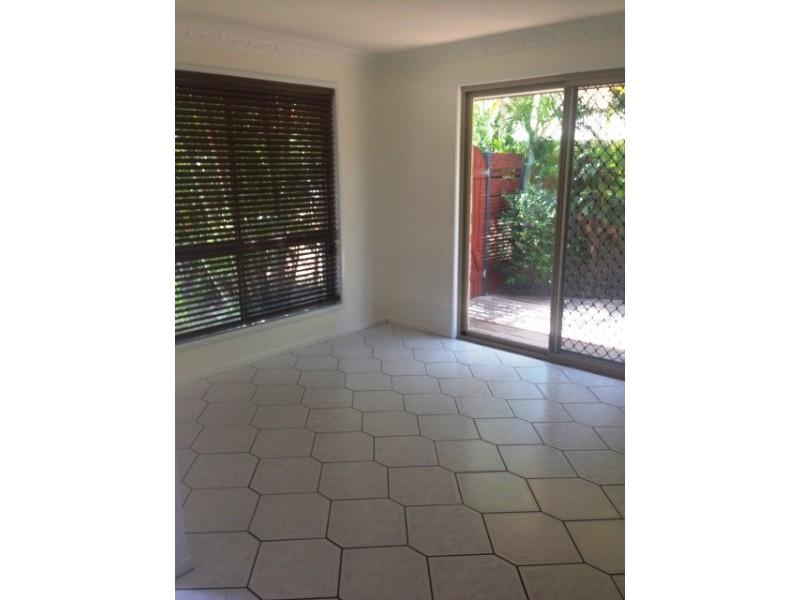 21 Van Haeren Street, Kawana QLD 4701