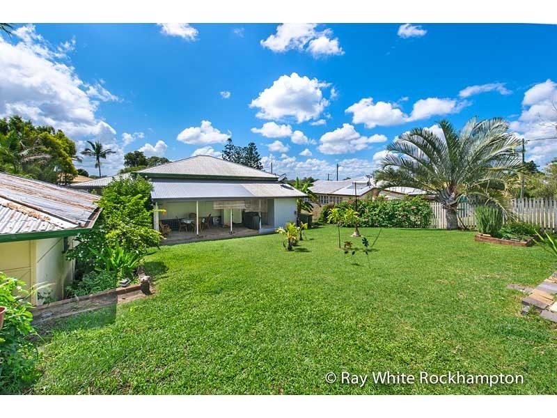 274 Upper Dawson Road, The Range QLD 4700