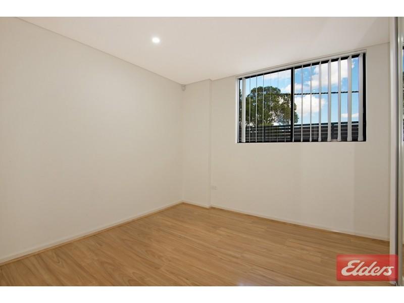 2/8-10 Octavia Street, Toongabbie NSW 2146