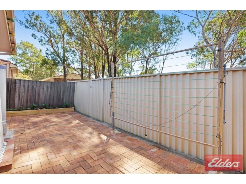 4/39 Woodlawn Drive, Toongabbie NSW 2146