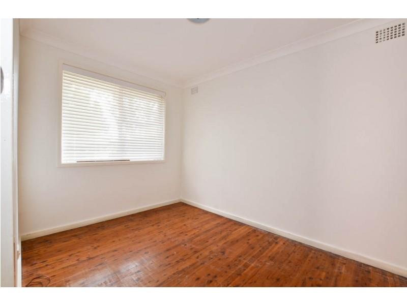 5 Garonne Road, Seven Hills NSW 2147