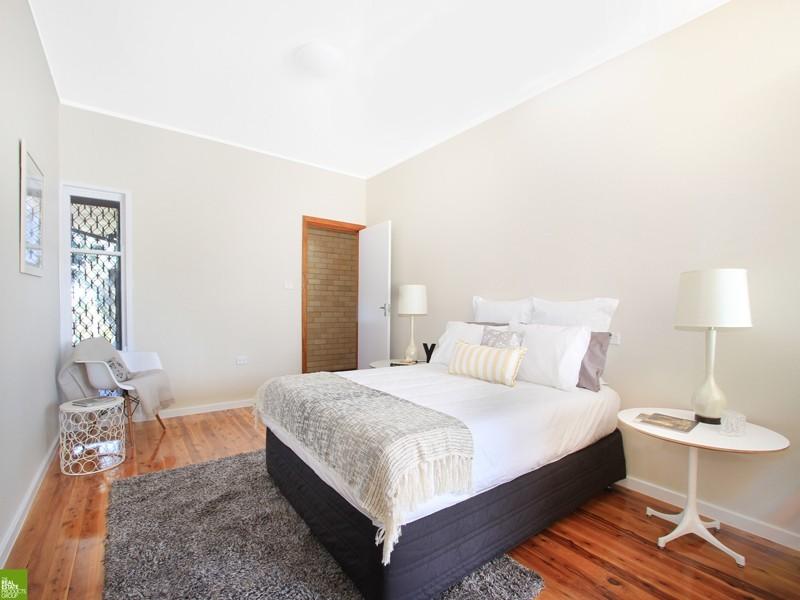 102 Beatus Street, Unanderra NSW 2526