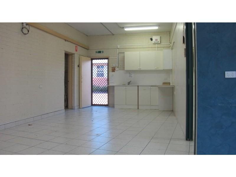 2/2 Tallegalla Street, Unanderra NSW 2526