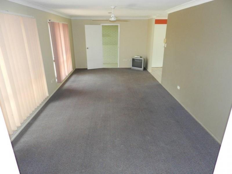 12 Atholl Court, Kin Kora QLD 4680