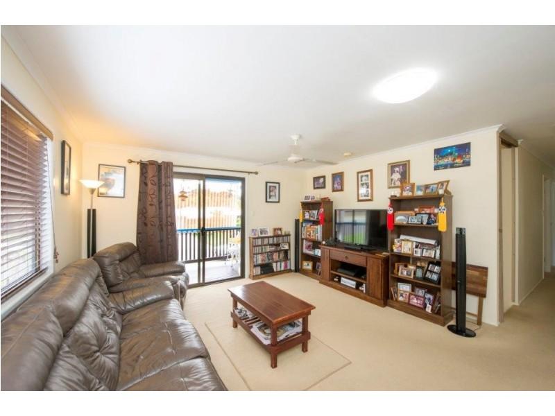 10 Pluto Street, Telina QLD 4680