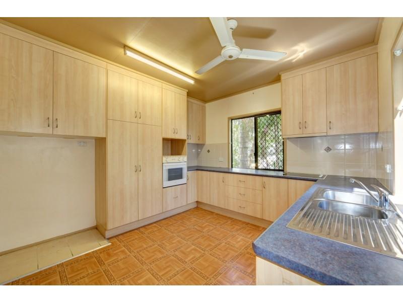 67 Pitt St, Walkervale QLD 4670