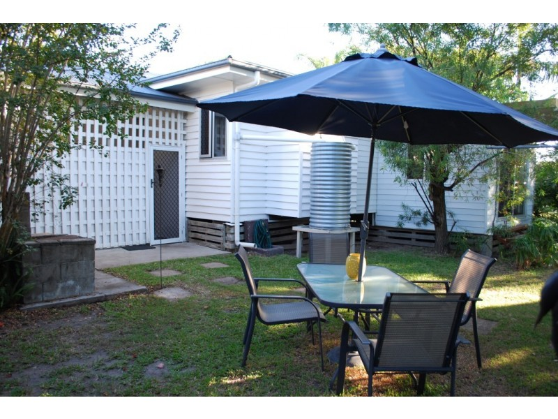 41 High, Walkervale QLD 4670