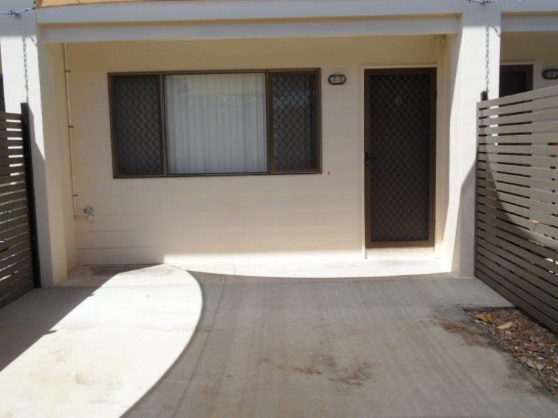 1/1 Cumberland Avenue, Slade Point QLD 4740