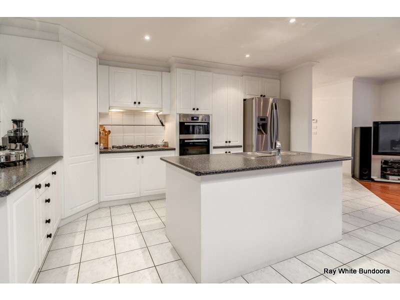 1 Woodhill Place, Mill Park VIC 3082