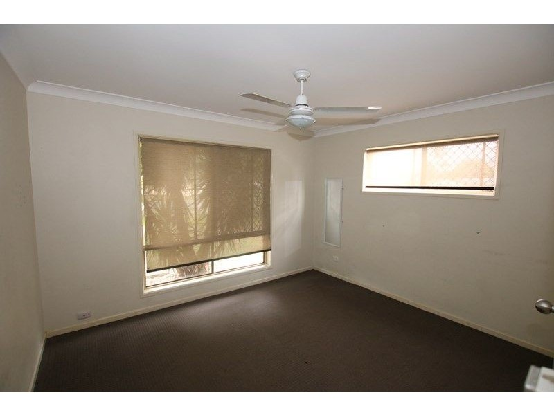 8 Kinchant Street, Marsden QLD 4132