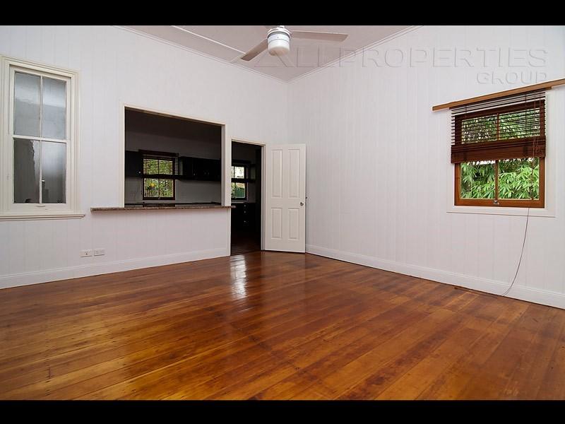 75 Adamson Street, Wooloowin QLD 4030