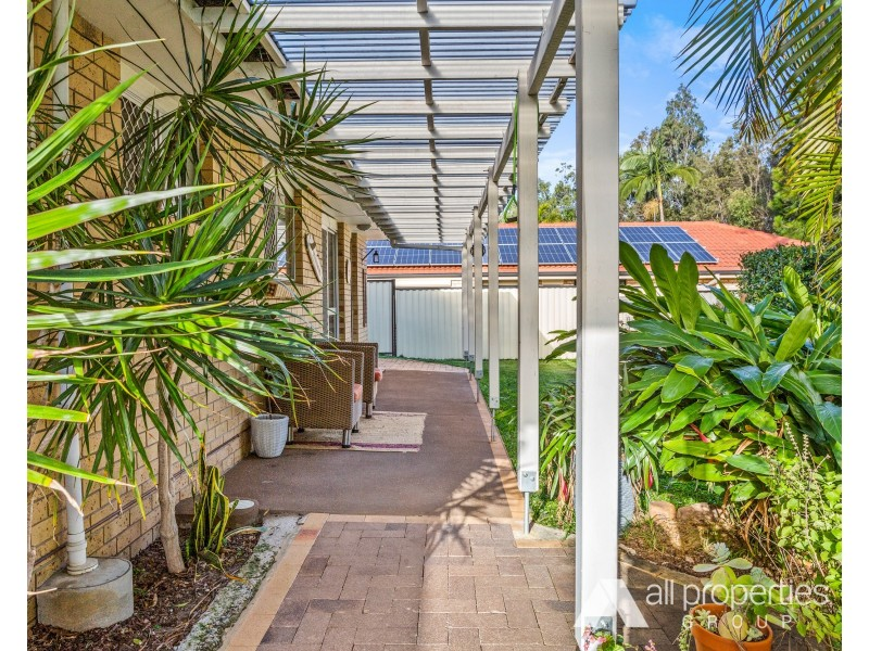 17 Conifer Street, Hillcrest QLD 4118