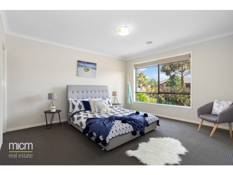 11 St Laurent Boulevard, Point Cook VIC 3030