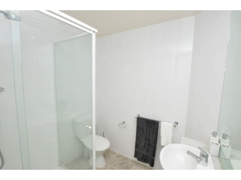 REF 101335/100 Kavanagh Street, Southbank VIC 3006