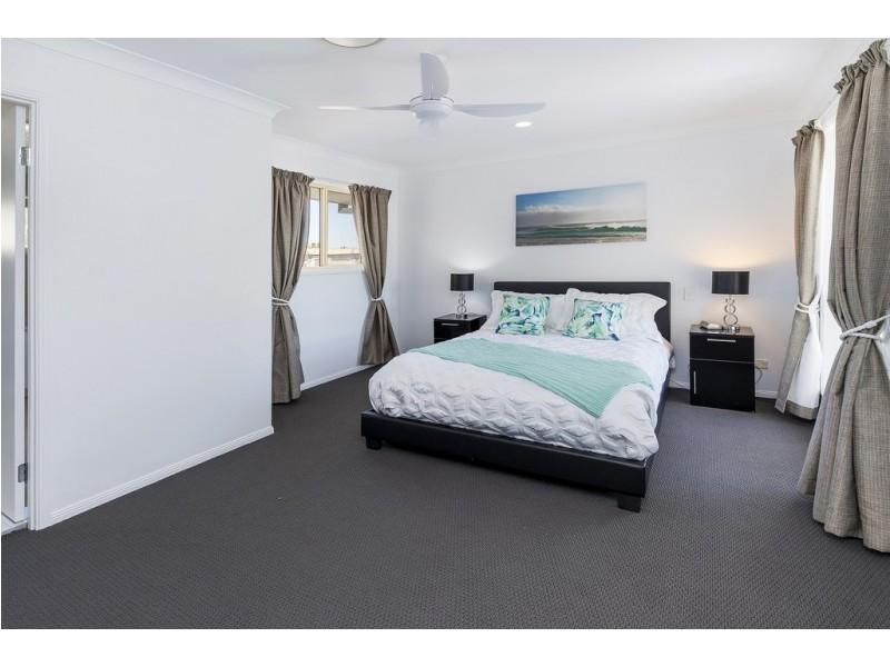 1055 Rosebank Way West, Hope Island QLD 4212