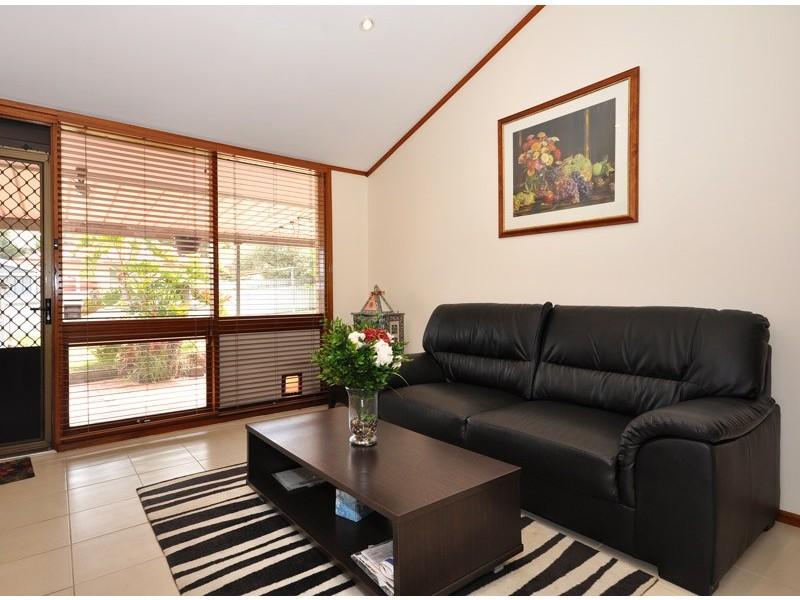 18 Iona Road, Aberfoyle Park SA 5159