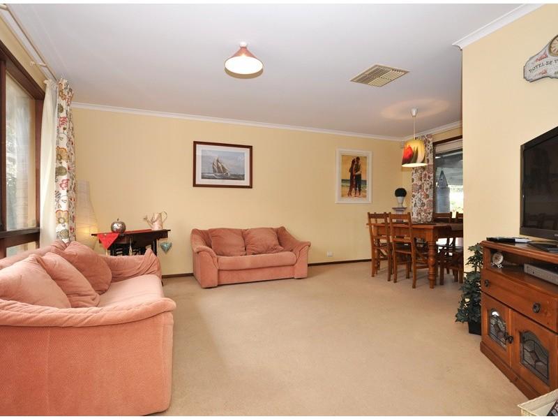 12 Canberra Drive, Aberfoyle Park SA 5159