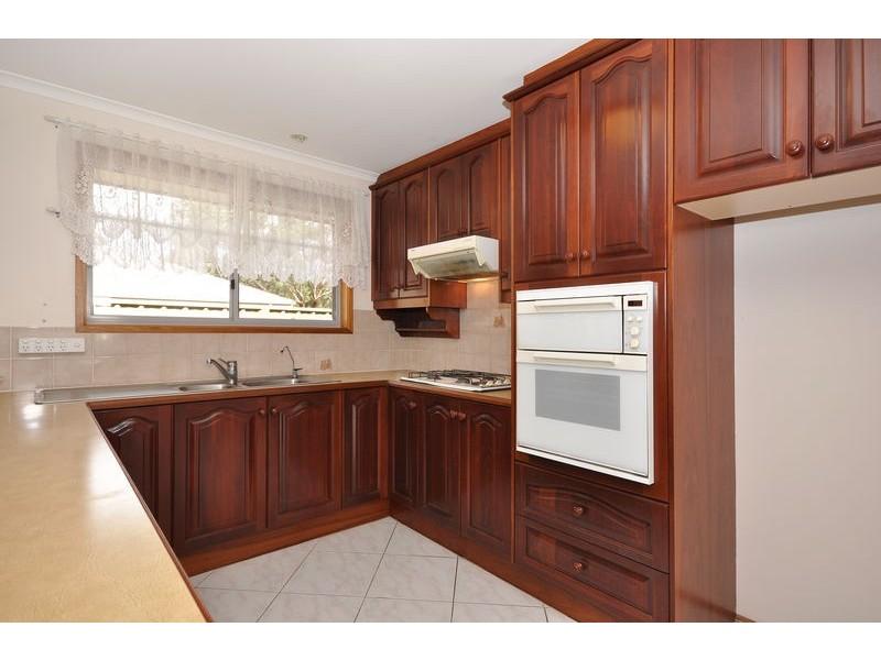 90 Oakridge Road, Aberfoyle Park SA 5159