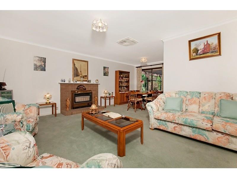24 Walters Crescent, Aberfoyle Park SA 5159