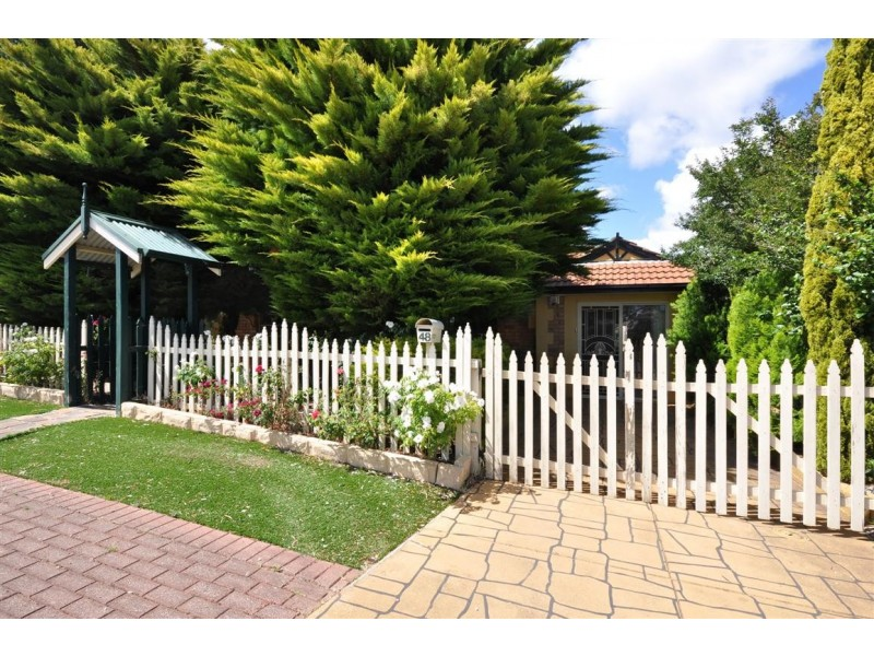 48 Jeanette Crescent, Aberfoyle Park SA 5159