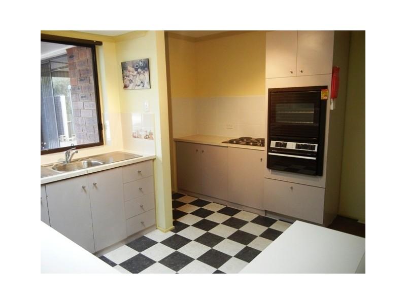 1 Maralyn Place, Aberfoyle Park SA 5159