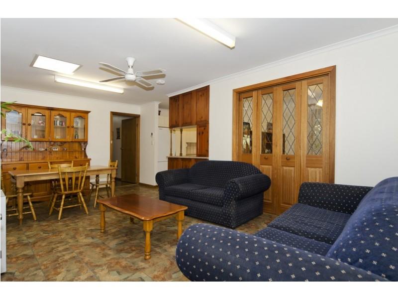 4 Domain Street, Moana SA 5169