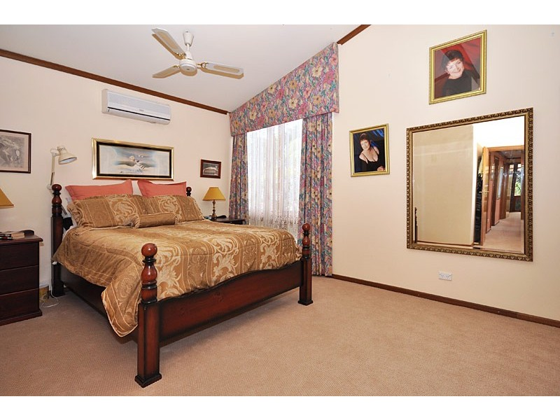 28 Grevillea Road, Aberfoyle Park SA 5159