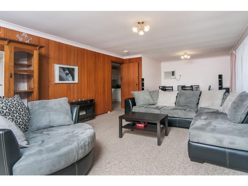 6 Roxanne Avenue, Aberfoyle Park SA 5159