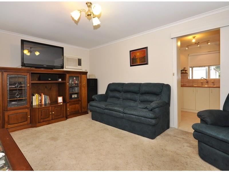 8 Reid Avenue, Aberfoyle Park SA 5159