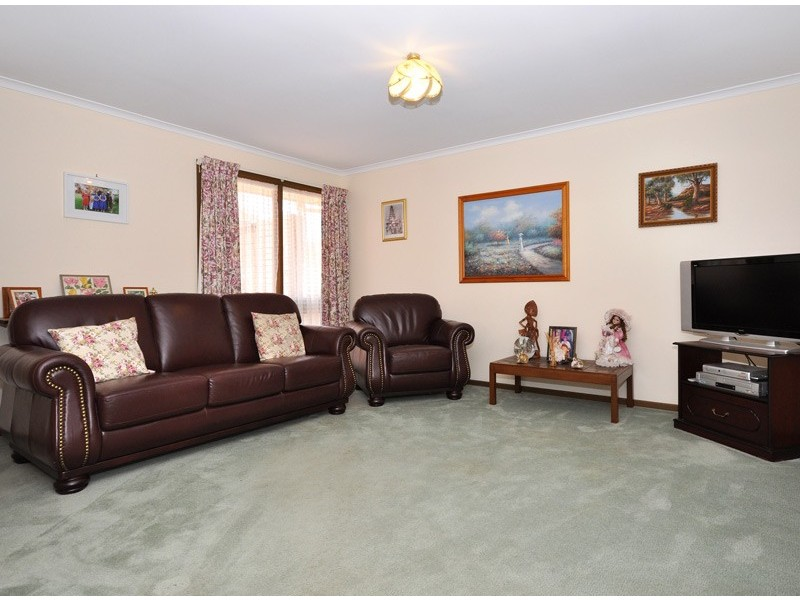 79 Sunnymeade Drive, Aberfoyle Park SA 5159
