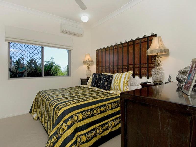 49/8 Munro Terrace, Mooroobool QLD 4870