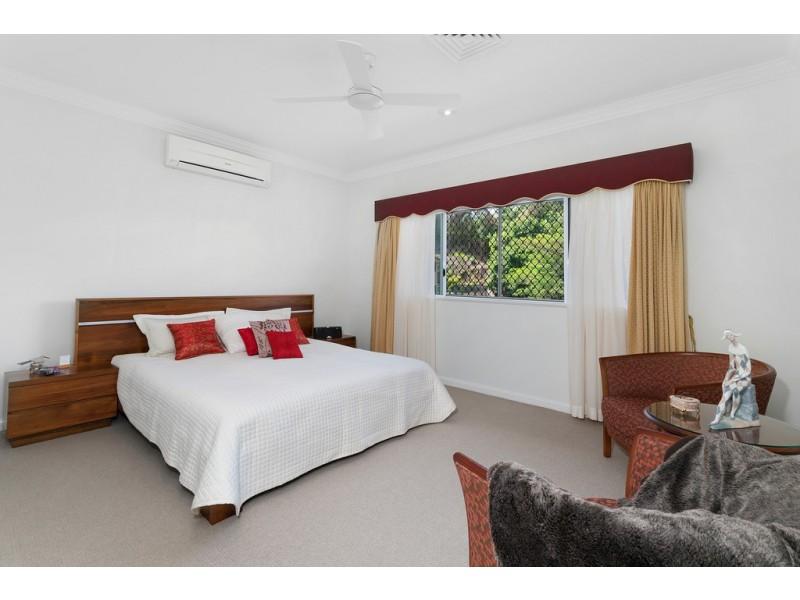 71 Summer Hill Drive, Mooroobool QLD 4870