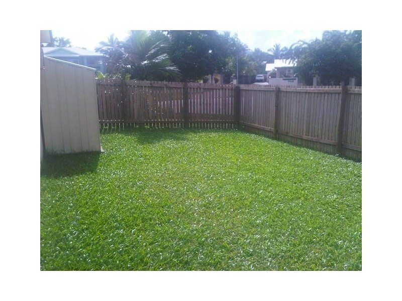 1/17 Ingham Court, Mooroobool QLD 4870