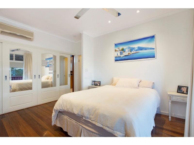 24 Koppen Terrace, Mooroobool QLD 4870