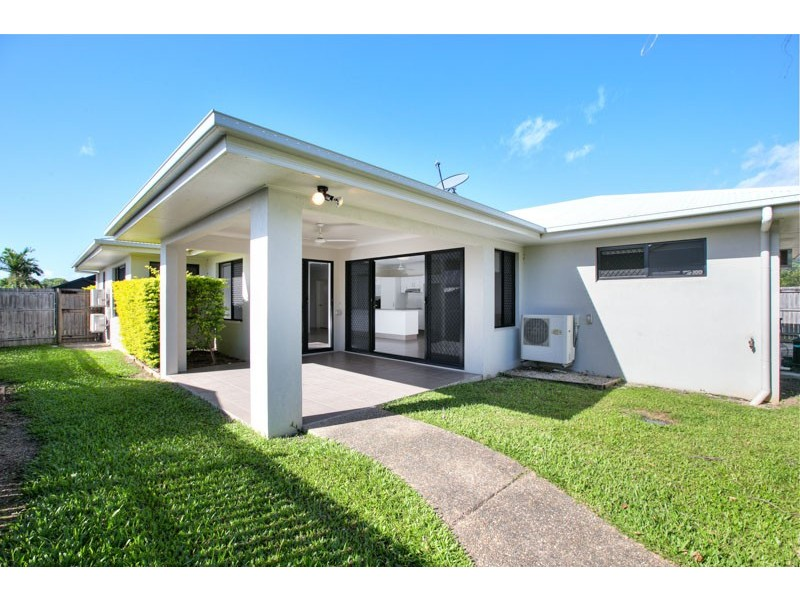 4 Roderick Street, Bentley Park QLD 4869