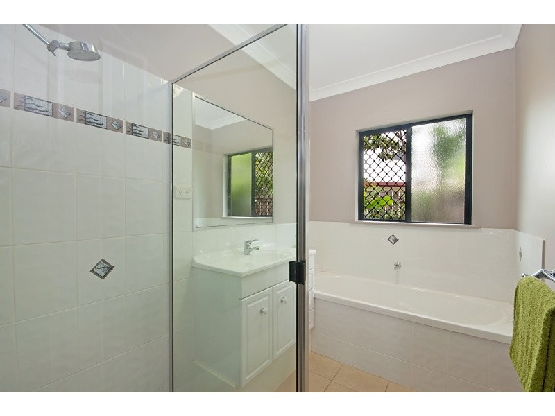 32 Altona Close, Bentley Park QLD 4869