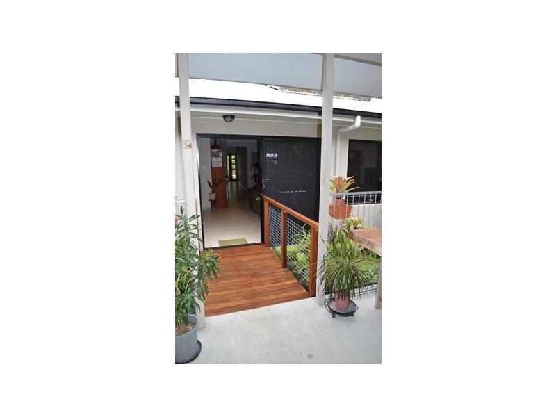 32 Altona Close, Bentley Park QLD 4869